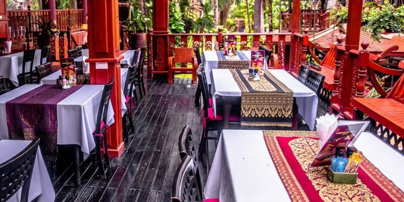 royal_phawadee_village_restaurants03